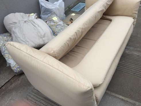粗大ゴミのソファー等